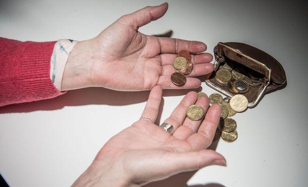 Pahoissa veloissa oleva henkilö voi joutua turvautumaan aivan viimeisiin roposiinsa.