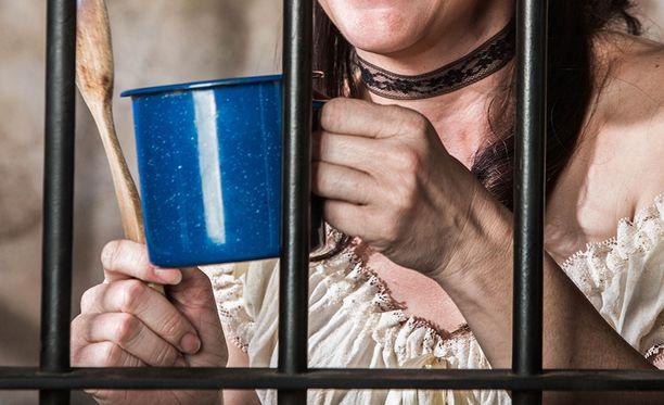 Transsukupuolinen nainen joutui miesten vankilaan.
