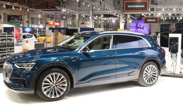Suomeen saatiin Audin superuutuus eli täyssähköauto e-tron.