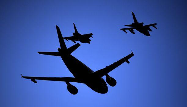 Kyseessä on Airbus A310 -tyyppinen kone, joka kuuluu Saksan puolustusvoimille.