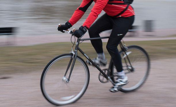 Helsingin Pyöräilijät ovat huolissaan huonosti näkyvistä työmaaesteistä. Kuvituskuva Helsingistä.