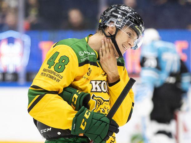 Ilveksen Joose Antonen pelaa henkilökohtaista kanuunakautta.