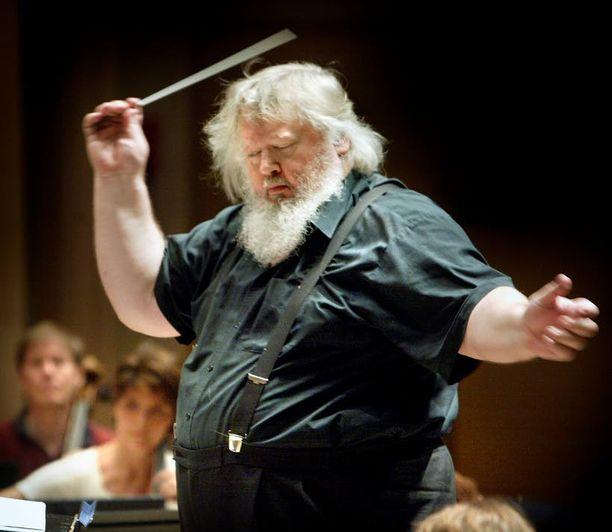 Janin isä Leif Segerstam on säveltänyt 253 sinfoniaa. Isä oli vain harvoin kotona, kun lapset olivat pieniä.