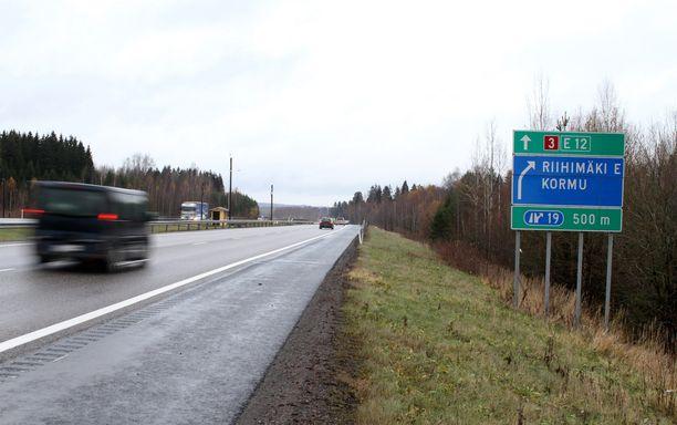 Poliisi sai pysäytettyä nuoren kaaharin Kormun liittymän kohdalla Riihimäellä (arkistokuva).