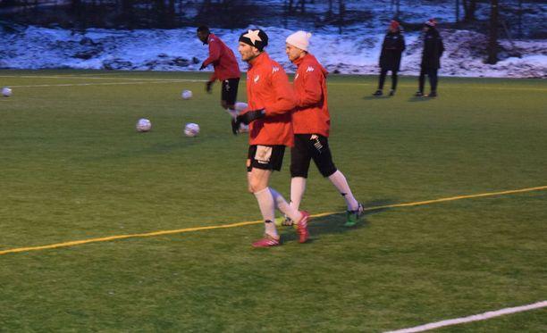HIFK:n Tuomas Aho ei pelkää kylmää.