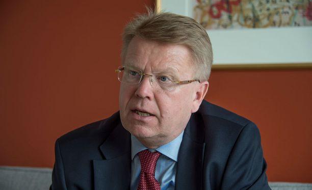 EK:n toimitusjohtaja Jyri Häkämies sanoo, että EK haluaa jatkaa neuvotteluja.