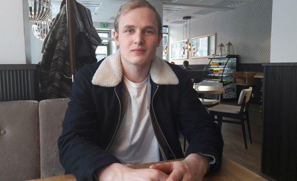 Kristian Vesalainen lähti 16-vuotiaana HIFK:sta Ruotsiin ja pelaa nyt huippukautta HPK:ssa.
