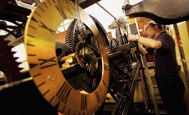 Koneisto oli aikanaan hyvin vallankumouksellinen. Edelleenkin mekaaninen kello on hämmästyttävän tarkka.
