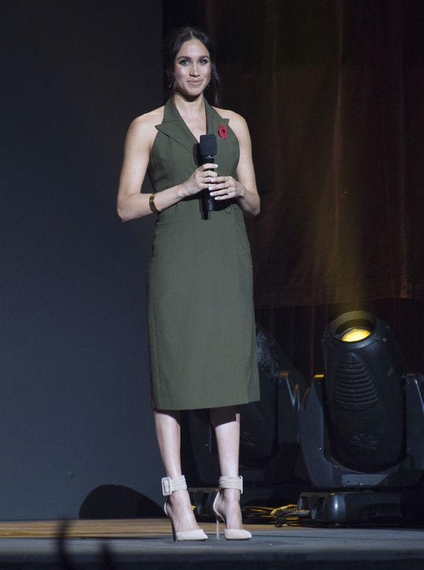 Meghanin tyylistä vastaa stylistiystävä Jessica Mulroney.