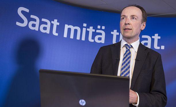 Halla-ahon mukaan ongelmana on se, että Suomeen tulee ihmisiä, jotka eivät ole suojelun tarpeessa, mutta käyttävät hyväksi turvapaikkajärjestelmää.