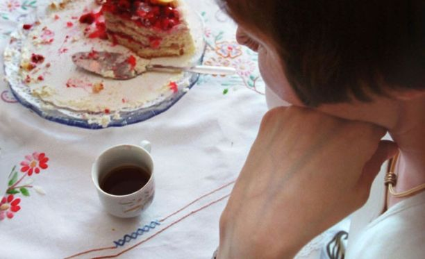 Ylettömän tiukan ruokavalion noudattaminen täyttää häiriintyneen syömiskäyttäytymisen määritelmän.