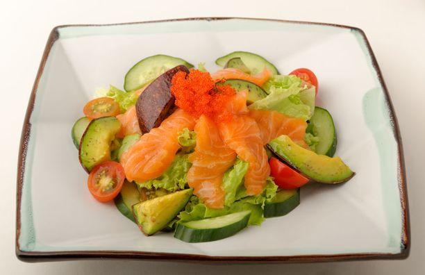DASH-ruokavalio painottaa kasvisten, hedelmien, pähkinöiden ja täysjyväviljojen syömistä ja suolan vähentämistä. Myös vähärasvaisia maitotuotteita, siipikarjaa ja kalaa kannattaa suosia.