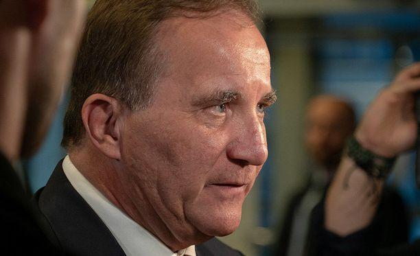 Pääministeri, sosiaalidemokraattien Stefan Löfven ilmoittaa, ettei aio erota pääministerin tehtävistään.