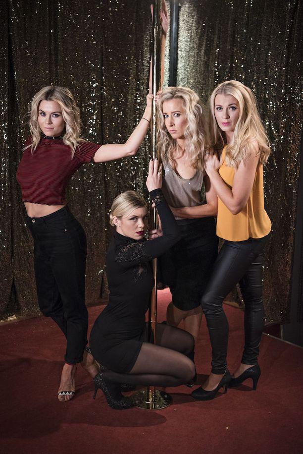 Tiia Elg (vas.), Irina Vartia, Nora Rinne ja Monika Lindeman ovat komediallisen spin-offin tähtiä.