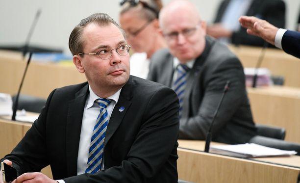 Ilmatilaa loukattiin Porvoossa juuri silloin, kun puolustusministeri Jussi Niinistö oli juhlimassa häitään samassa kaupungissa.