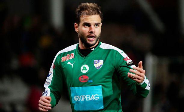 Aleksei Kangaskolkka ampui IFK Mariehamnin tasoitusmaalin.