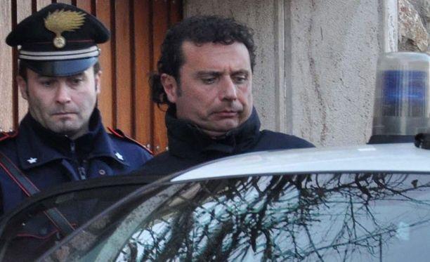 Kapteeni Francesco Schettino on otettu kiinni.