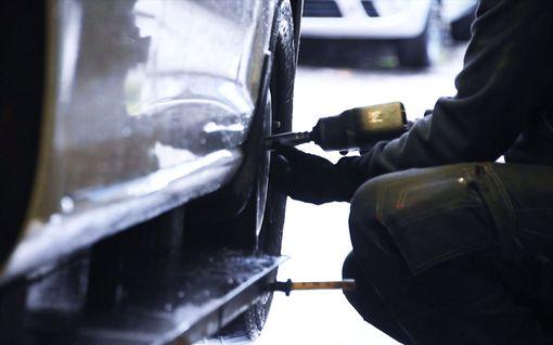 Pääkirjoitus: Etelä-Suomessa ei pidä ajaa nastoilla vain varmuuden vuoksi