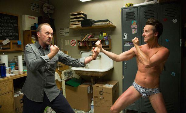 Alejandro González Iñárritun Birdman or (The Unexpected Virtue of Ignorance) kisaa myös yhdeksästä Oscarista.