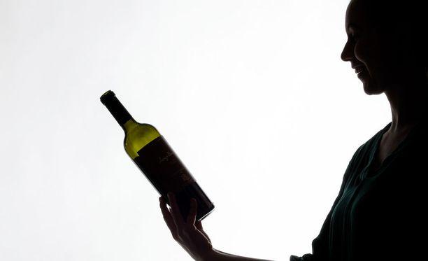 Alkoholin kohtuukäyttö saattaa suojella muistisairauksilta - mutta vain siinä tapauksessa - että käyttö pysyy suositusrajojen sisällä.
