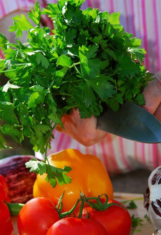 Lisää terveellistä persiljaa ruokaan reilusti.