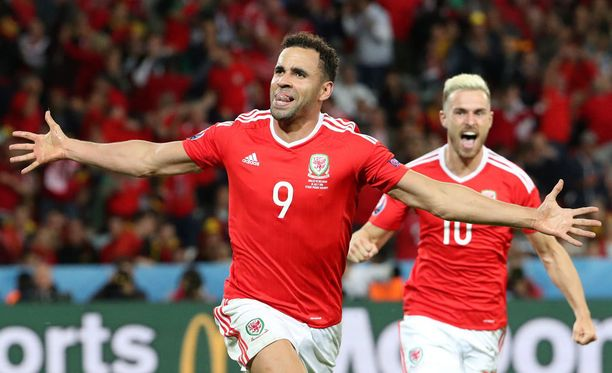 Hal Robson-Kanu jysäytti Walesin 2-1-maalin EM-puolivälierässä.