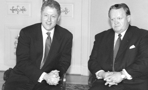Yhdysvaltojen presidentti Bill Clinton ja Suomen presidentti Martti Ahtisaari vuonna 1997, jolloin Clinton ja Venäjän presidentti Boris Jeltsin neuvottelivat Suomessa Naton laajenemisesta Baltiaan.