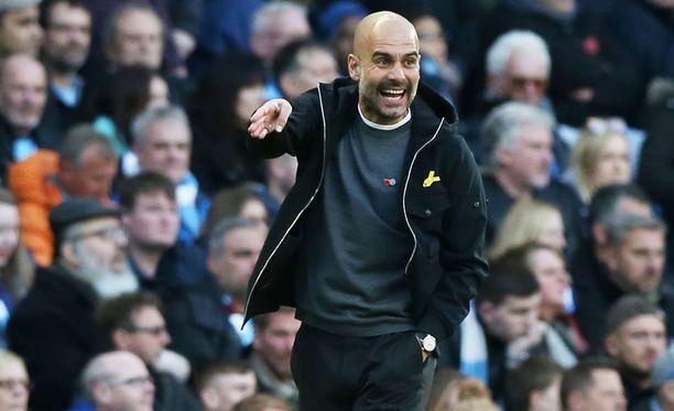 Pep Guardiola tietää, että Manchester Cityn pitää puolustaa Anfield Roadilla.