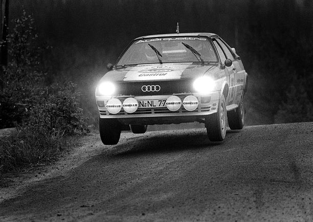 Tässä kaasuttaa Franz Wittmann onnettomuusvuonna 1981 Jyväskylän maisemissa.