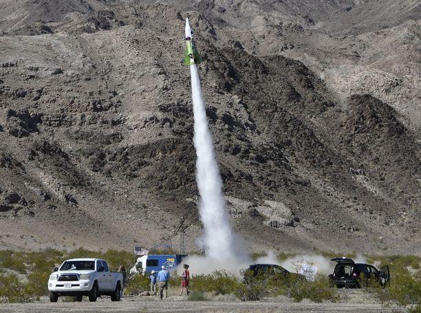 Höyryraketti ampaisi yläilmoihin ja saavutti parhaimmillaan noin 560 kilometrin tuntinopeuden.