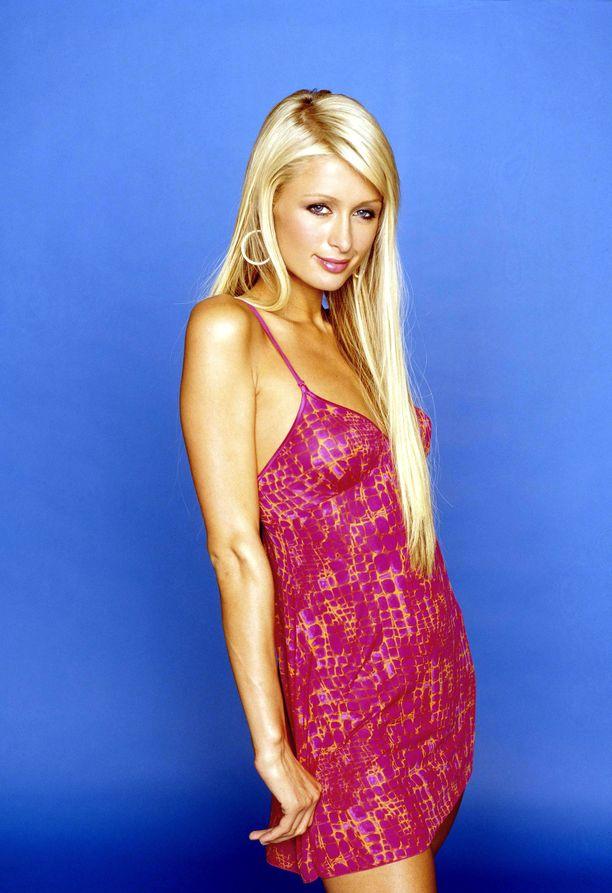Paris Hilton oman Simple life -tosi-tv-sarjansa mainoskuvassa vuonna 2003.