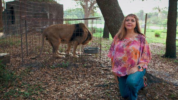 Carole Baskin kertoo uutuusdokumentissa elämästään ja villieläimistään.