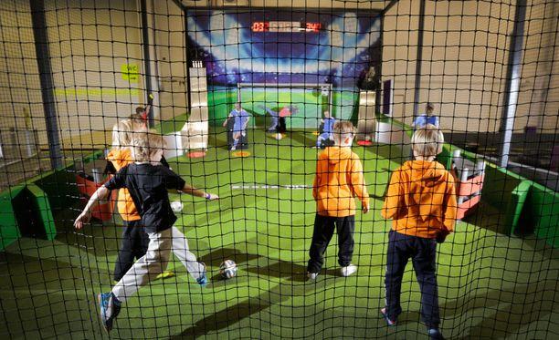 Vantaan SuperParkissa on muun muassa jalkapalloflipperi. Kuvituskuva.