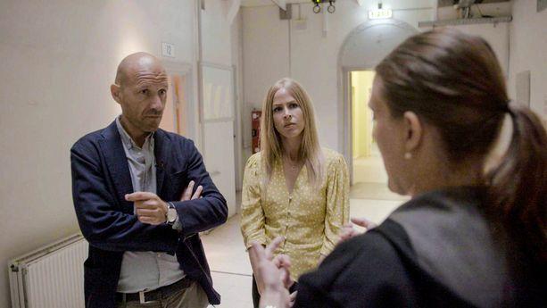 Adam Holm ja Eva Selsing pohtivat uudessa sarjassaan moraalisiavalintatilanteita ja tulevat avausjaksossa rinnastaneeksi parinvaihdon ja uskottomuuden.
