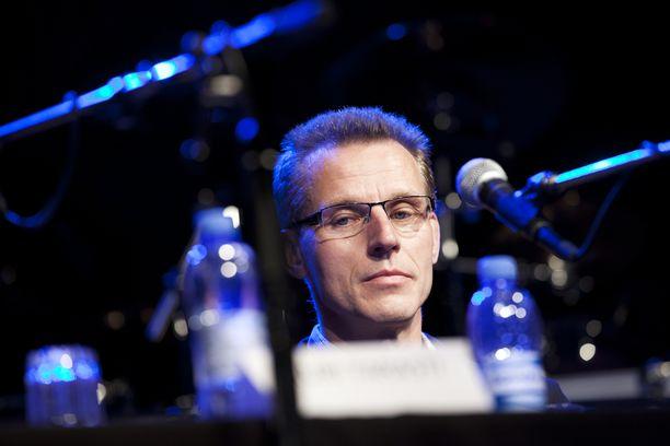 Hiihdon entinen päävalmentaja Kari-Pekka Kyrö ei pidä dopingtestausta uskottavana.