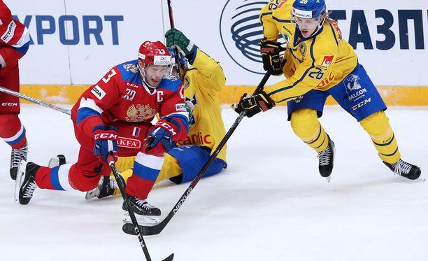 Pavel Datsjuk kipparoi nimivahvaa VEnäjän joukkuetta. Oskar Lindblom onnistui maalinteossa.