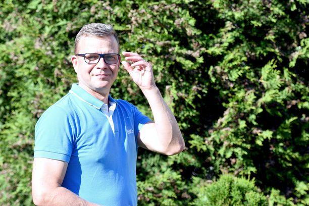 Entinen sisäministeri, kokoomuksen puheenjohtaja Petteri Orpo kertoo perhettään uhkailleen miehen saaneen ehdollisen vankeustuomion.