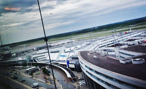 Arlandan lentokentällä otettiin yksi mies kiinni pommiuhkauksen takia.