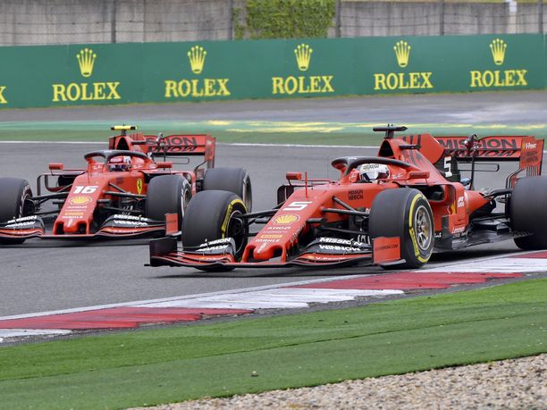 Charles Leclercin ja Sebastian Vettelin välinen tilanne on saanut Ferrarin sortumaan virheratkaisuihin. Bakussa tilanteet voivat muuttua todella nopeasti, ja siksi tällaiset virheet pitäisi pystyä minimoimaan.