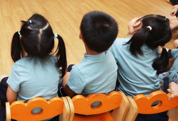 Lapsiin kohdistuvat iskut ovat valitettavan yleisiä Kiinassa. Kuvituskuva.