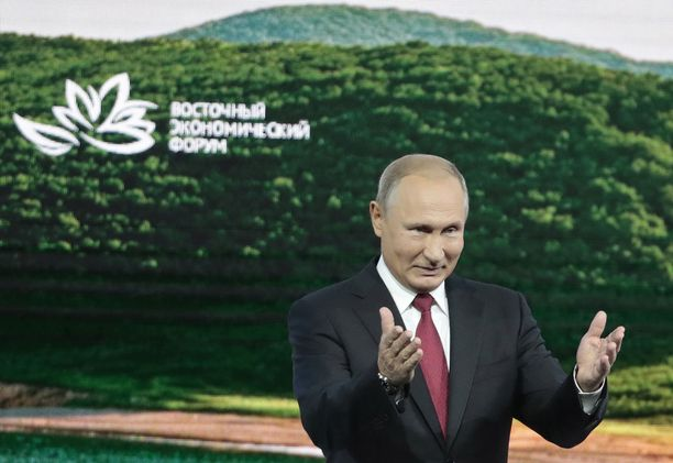 Putin vakuutteli, ettei Venäjän valtiolla ole mitään tekemistä hermomyrkkyiskun kanssa.