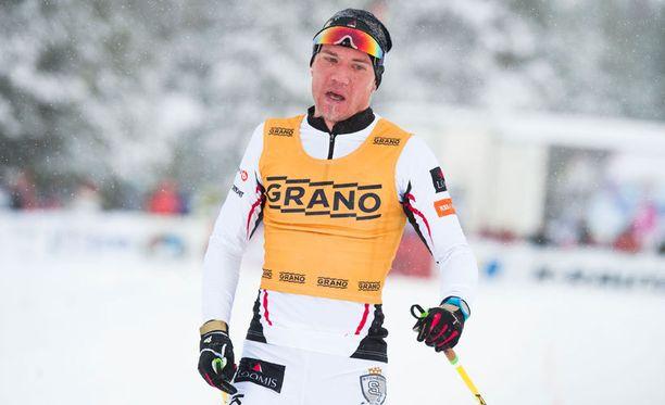 Ville Nousiaisella oli kova urakka Jämijärven SM-hiihdoissa.