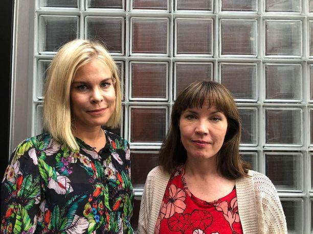 Oikeuspsykologian dosentit Taina Laajasalo ja Julia Korkman tietävät, miksi rakastuneen ihmisen mieli on otollista maaperää verkkohuijareille.