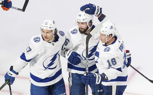 Tampa Bay ja NY Islanders takoivat kolme maalia 27 sekuntiin – Lightning voiton päässä Stanley Cup -finaaleista