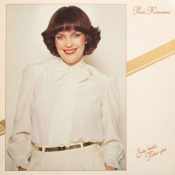 Vuonna 1981 julkaistu Sata kesää, tuhat yötä -albumin nimikkokappaleesta tuli ikivihreä hitti. Levy oli myös lähtölaukaus Paulan ja tuottajavelho Esa Niemisen pitkälle ja menestykselliselle yhteistyölle.