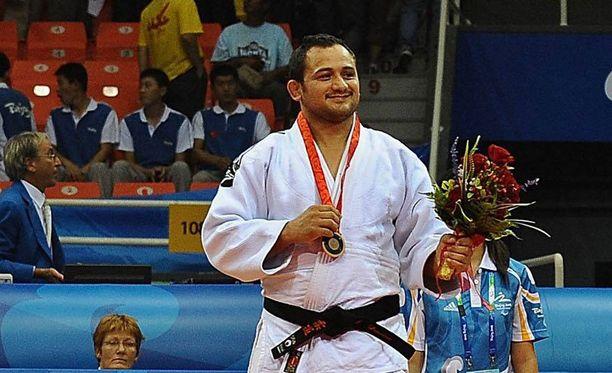 Dopingista kärynnyt Jorge Lencina voitti sarjansa pronssia sekä Pekingin että Lontoon paralympialaisissa.