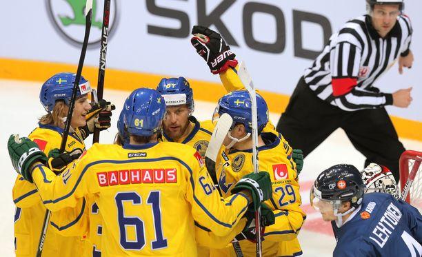 Tre Kronor sai taas tuulettaa Moskovan EHT-turnauksessa.