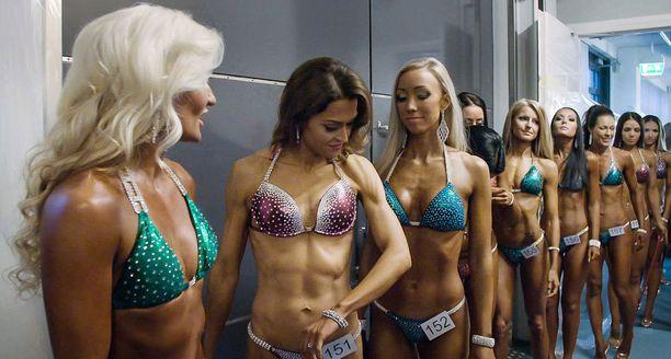 Bikini fitness -harrastajan vartalo on Isolan mukaan monen miehen mielestä unelmakroppa.