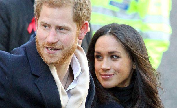 Prinssi Harry ja Meghan Markle vihitään huomenna Windsorissa. Häät näytetään myös suorana lukuisilla viihdesivustoilla ja televisiossa.