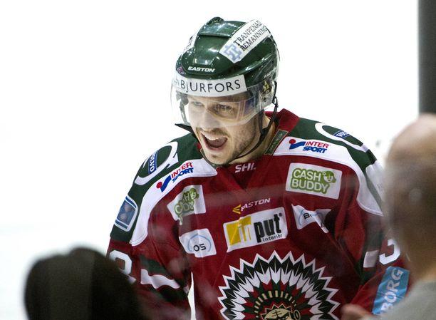 Elias Fälth saapuu pelaamaan SM-liigaa.